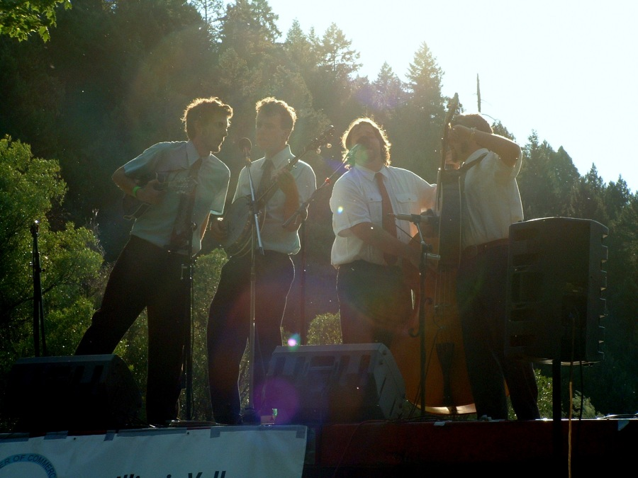 The Mighty Lonesomes @ the Siskiyou Folk and Bluegrass Festival 2008