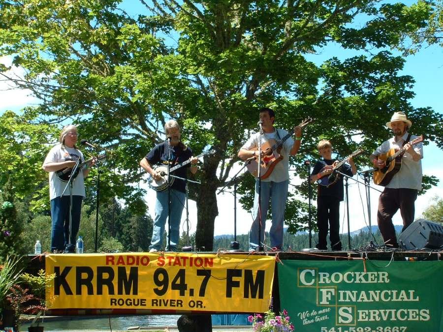 Band Scramble @ the Siskiyou Folk and Bluegrass Festival